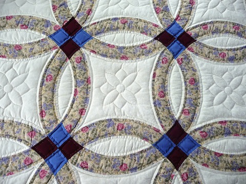Amish Handmade Quilt Double Wedding Ring Pattern Tan