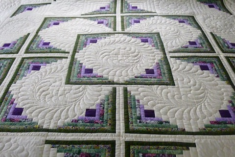 Amish Handmade Quilt Log Cabin in the Round Pattern