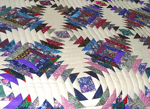 Amish Handmade Quilt Pineapple Log Cabin Pattern