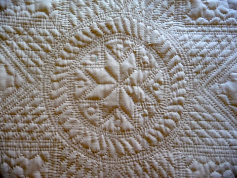 Folk art of the amish Heirloom quilt detail