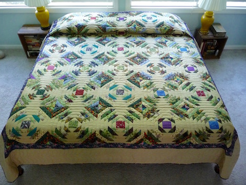 Pinable Log Cabin Amish Quilt