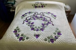 handmade amish quilt for sale Country Grapes pattern