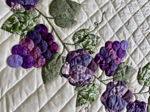 Country Grapes Amish quilts for sale